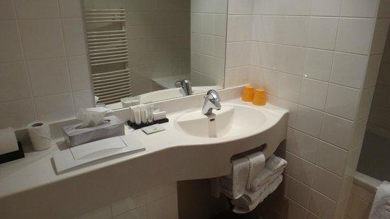 Hotel Montanus: Salla de bain