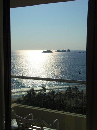 Sunscape Dorado Pacifico Ixtapa:                   Desde mi cama