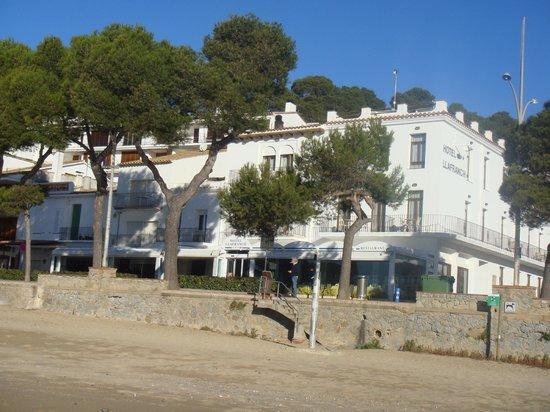 Hotel Llafranch:                   sur la plage