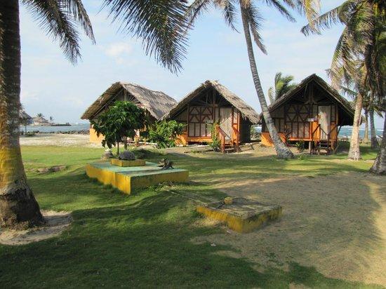 Dolphin Lodge Uaguinega:                   individual cabanas