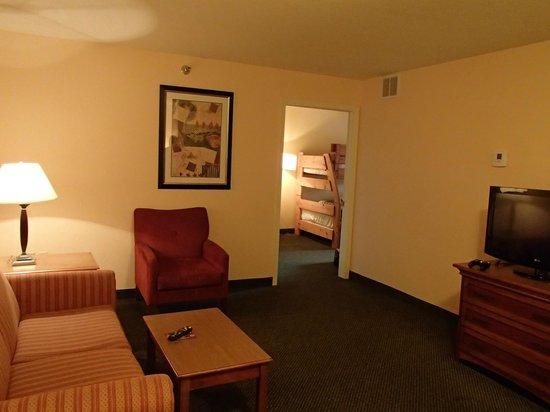 Holiday Inn Minneapolis NW-Elk River:                   main livingroom area