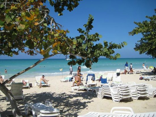 Merrils Beach Resort II:                   the beach