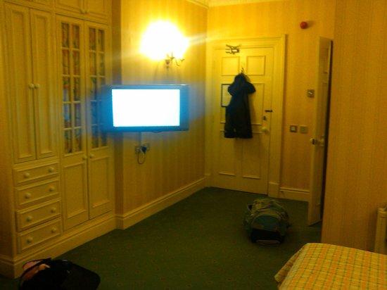 Crabwall Manor Hotel & Spa:                                     TV and wardrobe