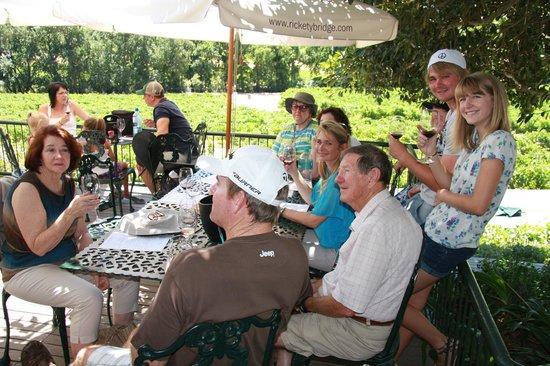 ฟรันช์ฮก, แอฟริกาใต้:                   Wine Tasting at Rickety Bridge