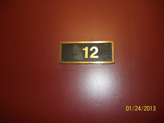Quality Hotel and Conference Centre : Example of room door with number missing