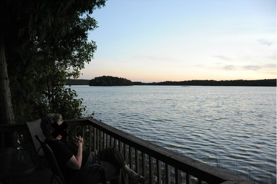 Evergreen Resort: View from the deck of Cabin #10 at dusk