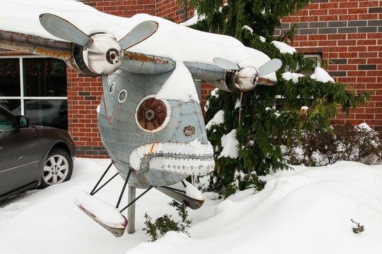 """Residence Inn Erie : """"Flying Fish"""" Sculpture near the Entrance"""