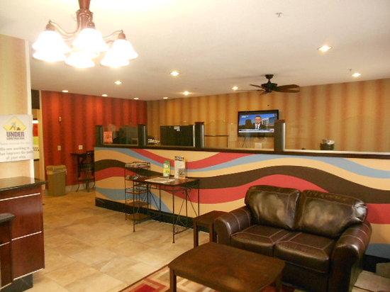 Baymont Inn & Suites Mankato: Lobby