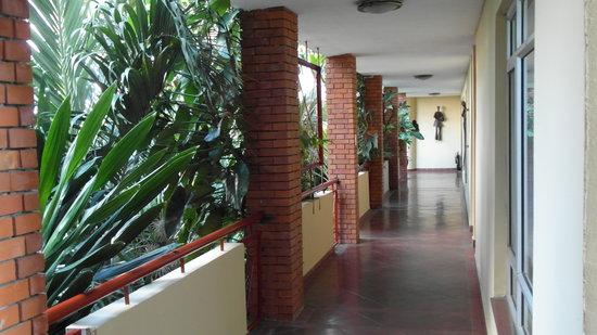 La Cour Hotel Cooper: corridor