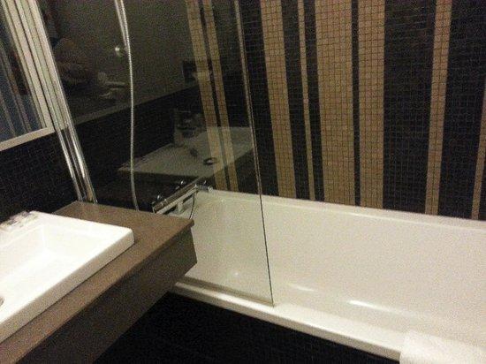 Mercure Paris Bastille Saint Antoine: salle de bain