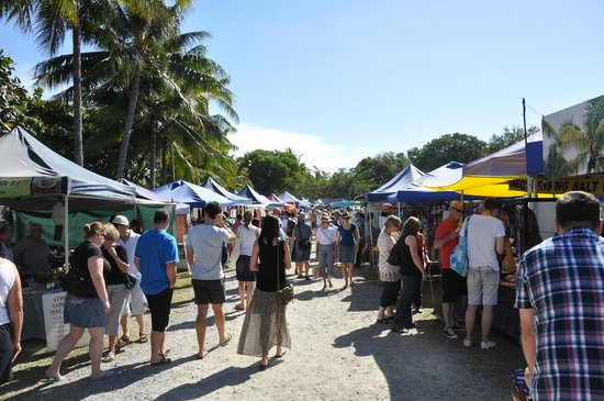 ‪Sunday Market Port Douglas‬