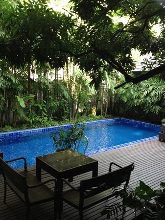 Baan Klang Wiang:                   secret garden (and pool!)