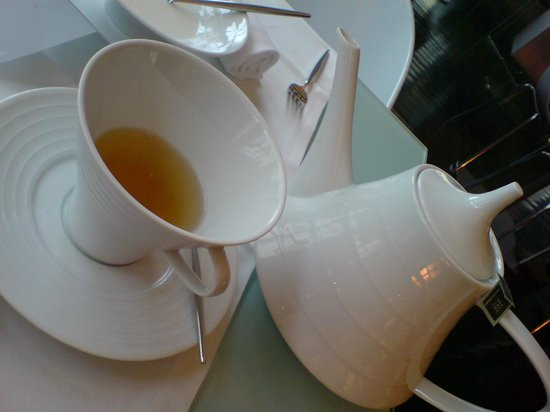 Internacional Design Hotel:                   Tea Set