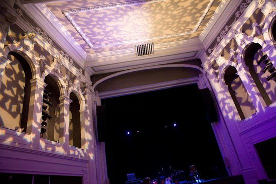 Jefferson Theater:                   architectural details + interesting lighting