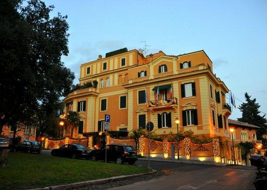 Hotel San Anselmo: :)