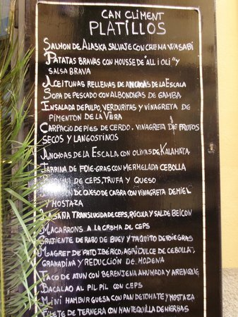 Platillos:                   Menu posted outside
