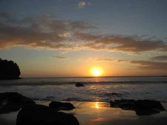 Aqua Wellness Resort:                   sunset on the beach at Redonda Bay