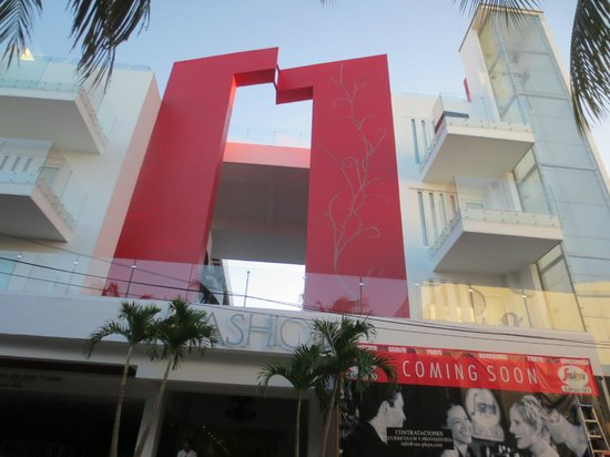 In Fashion Hotel Boutique:                   Facade