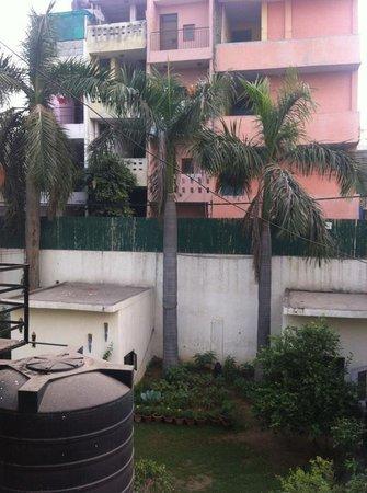 Hotel Kabli:                   Garden