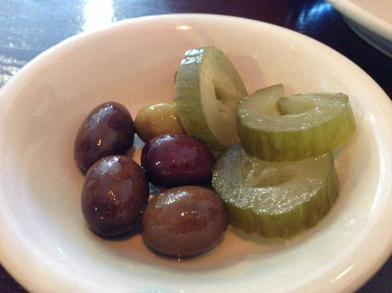 Jerusalem Restaurant: yummy pickles and olives