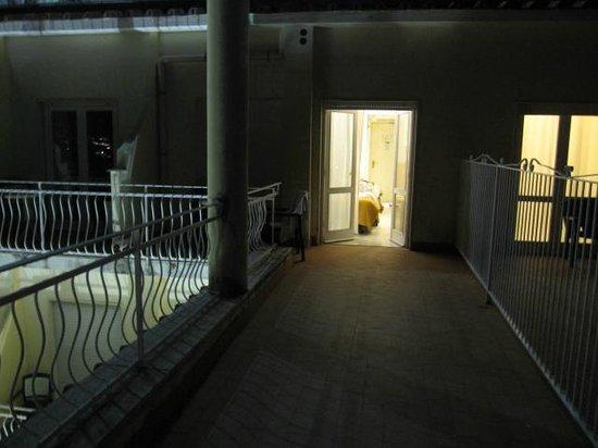 Hotel Admiral Sorrento : Huge balcony
