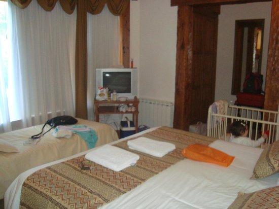 Aldea Bonita:                   habitacion