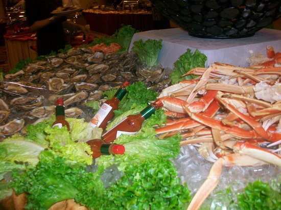 Allgauer's Restaurant:                   oysters and crab legs