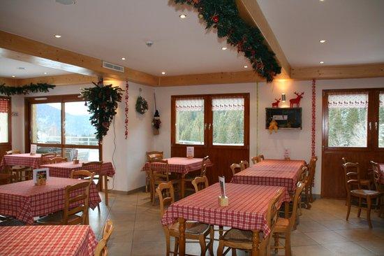 Le Vetine Hotel :                   la salle restaurant brasserie