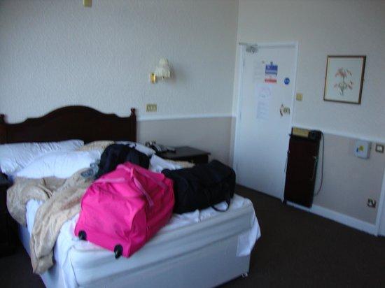 Station Hotel:                   Bedroom