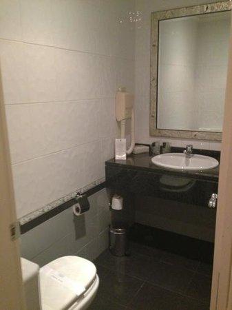 Hotel Tropico: bathroom