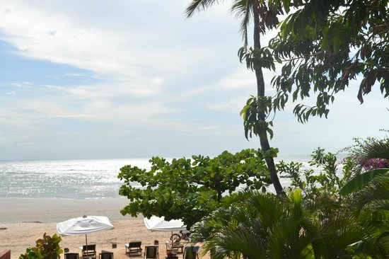 Casa na Praia:                   Paraíso!