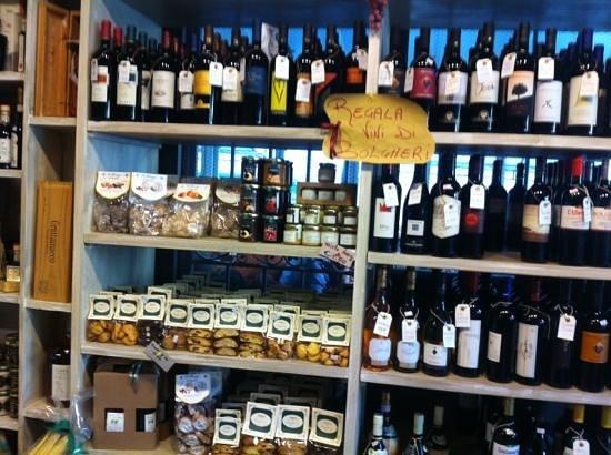 La Bottega di Elena: vini e prodotti locali