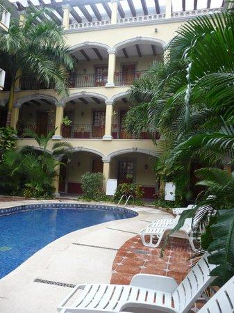 Hotel Hacienda Real del Caribe:                   façade intérieure