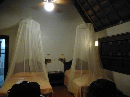 The Lodge at Uxmal: Quaint and tropical sleeping accomodations