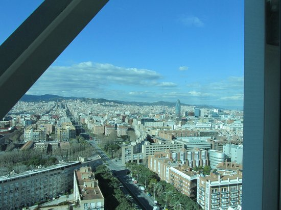 Hotel Arts Barcelona: city view from the suite