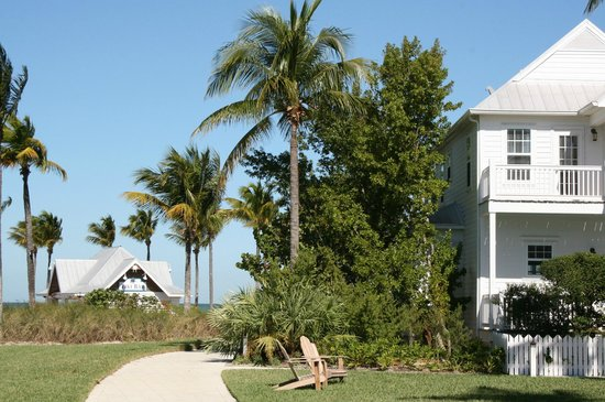 Tranquility Bay Beach House Resort:                   Grounds