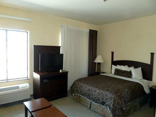 Staybridge Suites Corpus Christi: Bedroom