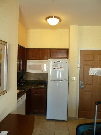 Staybridge Suites Corpus Christi: Small Kitchenette