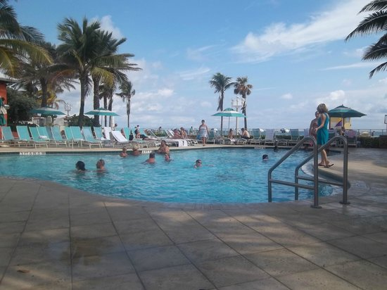 Hollywood Beach Marriott: pool (heated)