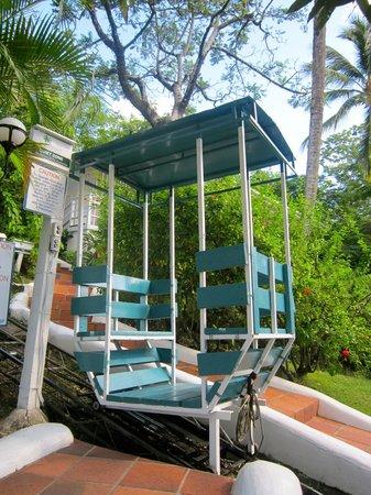 Oasis Marigot: Funicular