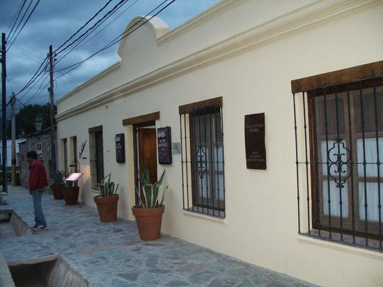 El Cortijo Hotel Boutique:                   Frente del hote boutiquel El Cortijo