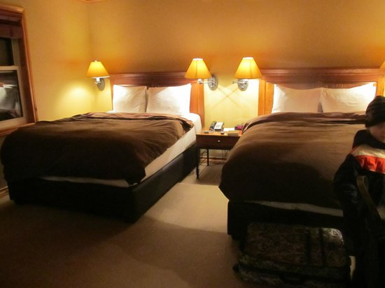 Buffalo Mountain Lodge:                                     super comfy & warm beds
