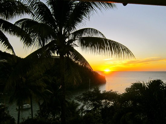 Oasis Marigot: Amazing sunset view from Ocean Cottage