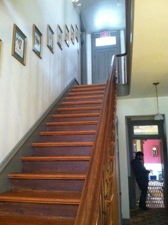 Afton Mountain Bed & Breakfast: stairwell