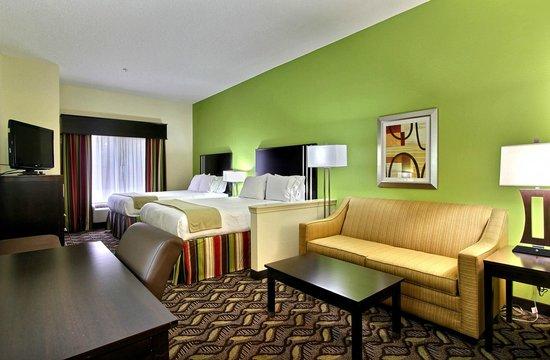 Holiday Inn Express Savannah S I-95 Richmond Hill : Two Queen Suite