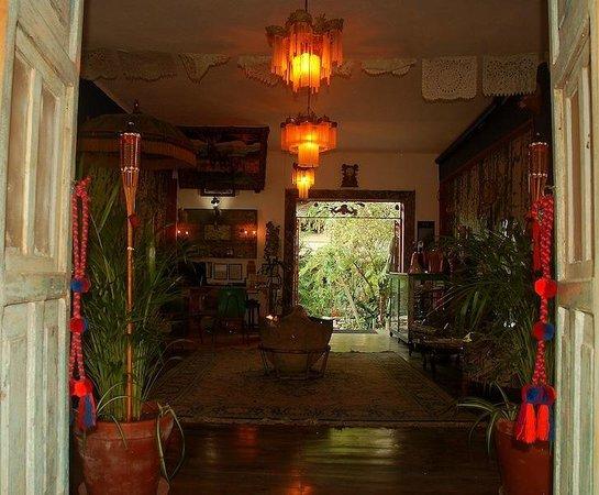 El Jardin de Frida: Front Desk , Library, WIFI zone