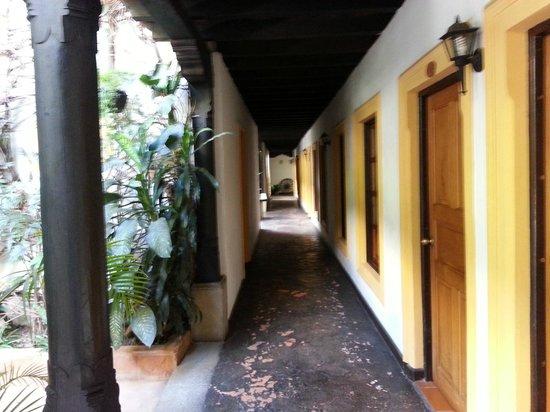 Hotel Posada Del Hermano Pedro: Corredores