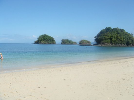Cabanas Time Out:                   Coiba beach