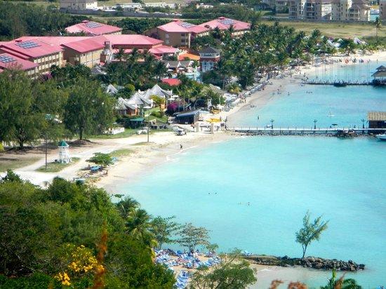 Sandals Grande St. Lucian Spa & Beach Resort : View from the top of Pigeon Island