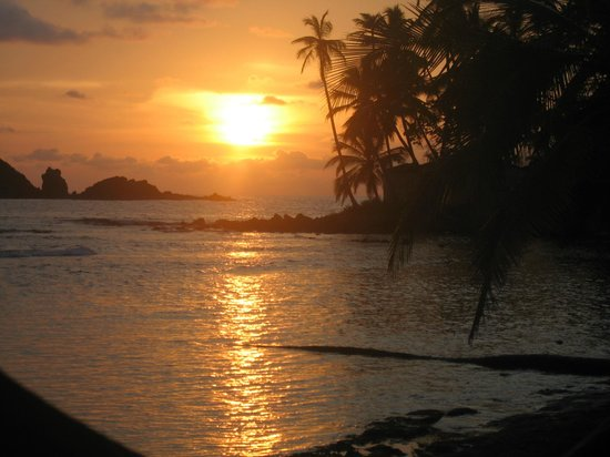 Annies Place Panama : Sunset from Isla Mame